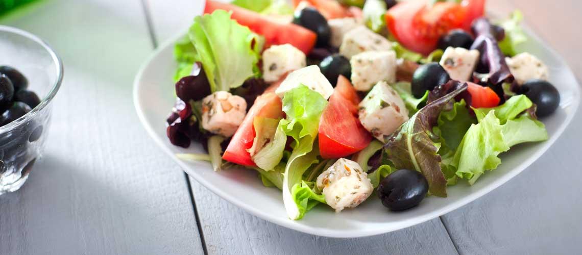 Принципы средиземноморской диеты для похудения и контроля холестерина в крови.