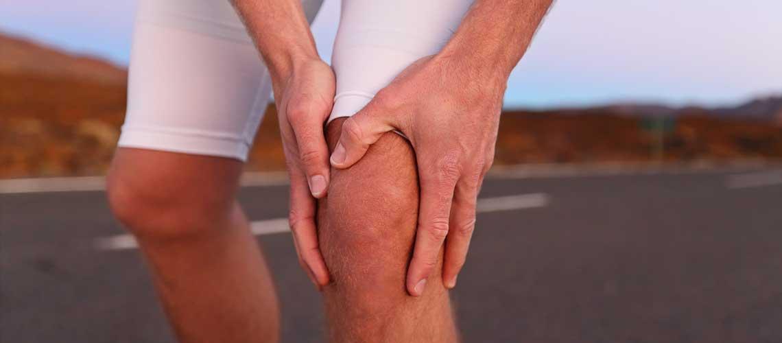 Хруст в коленях во время приседаний