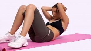 Упражнение для мышц живота в положении лежа